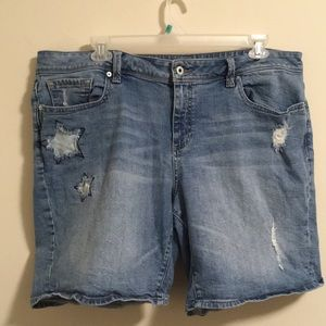 Lucky Brand Star Patch Bermuda Shorts 18